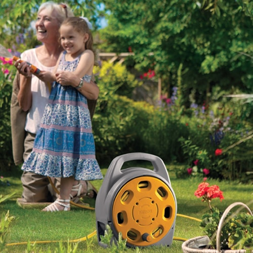 Enrouleur tuyau d 39 eau 20 m hozelock pour jardin camping car caravane - Camping dans son jardin ...