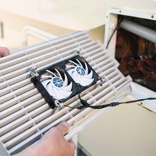 Ventilateur de frigo 12V TITAN 9 cm